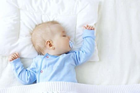 Bebeklerde Yastık Kullanımına Ne Zaman Başlanmalı