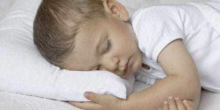 Bebeklerde Yastık Kullanımına Ne Zaman Başlanmalı?